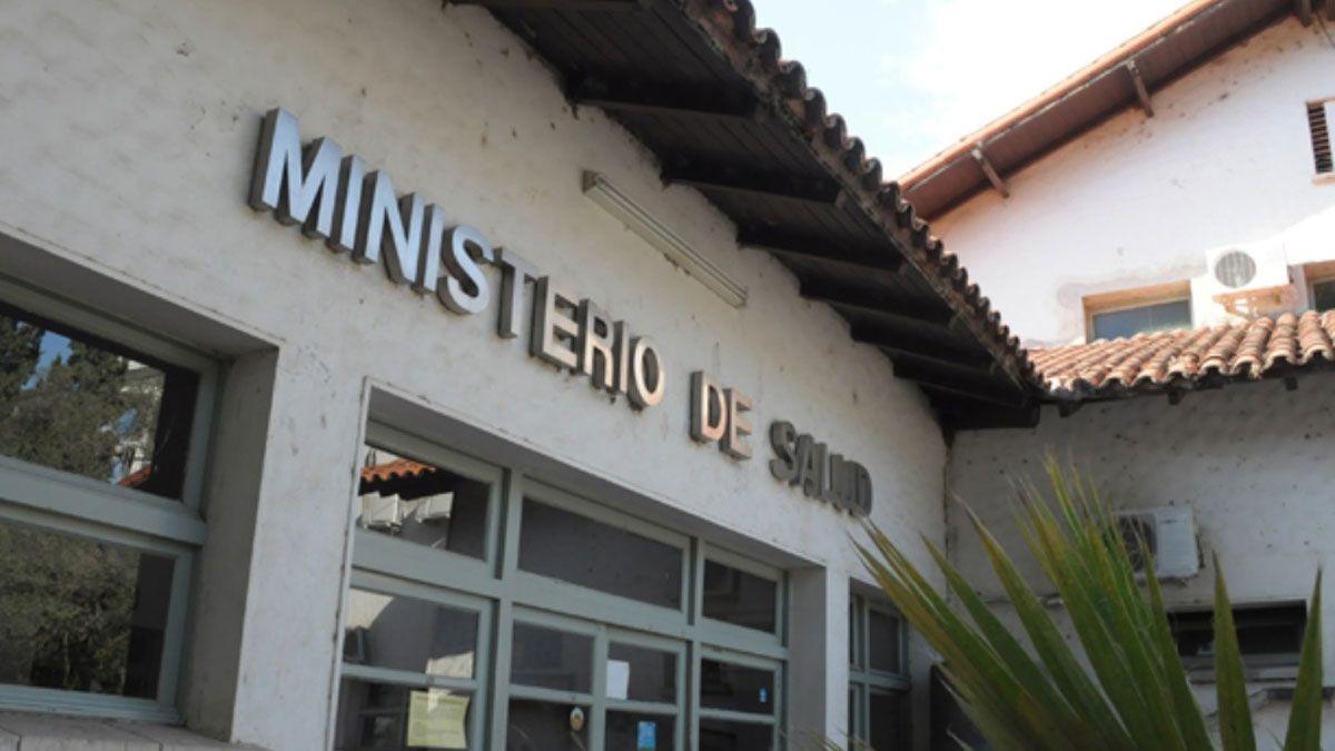 El Ministerio de Salud denunció al primer contagiado con la variante Delta por supuesta violación de la cuarentena.