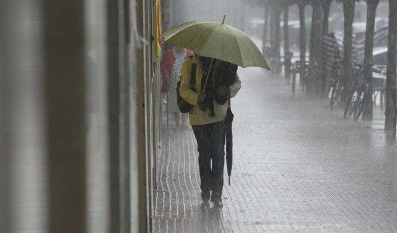 Alertan por lluvias fuertes en el centro del país