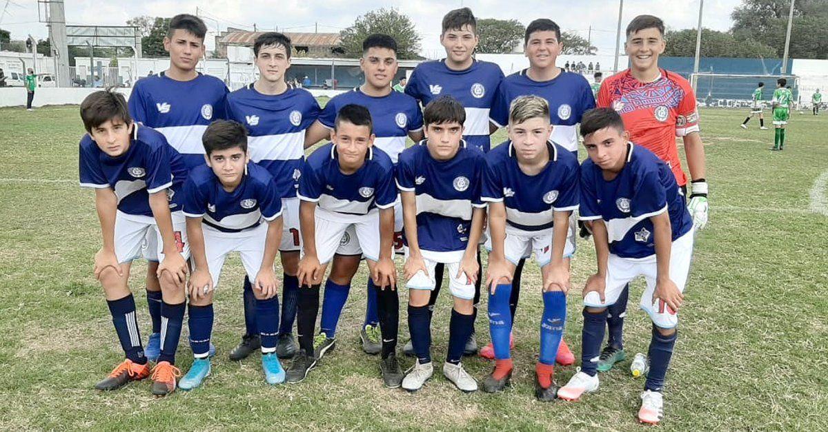 El elenco de sexta división (clase 2006) de Argentino