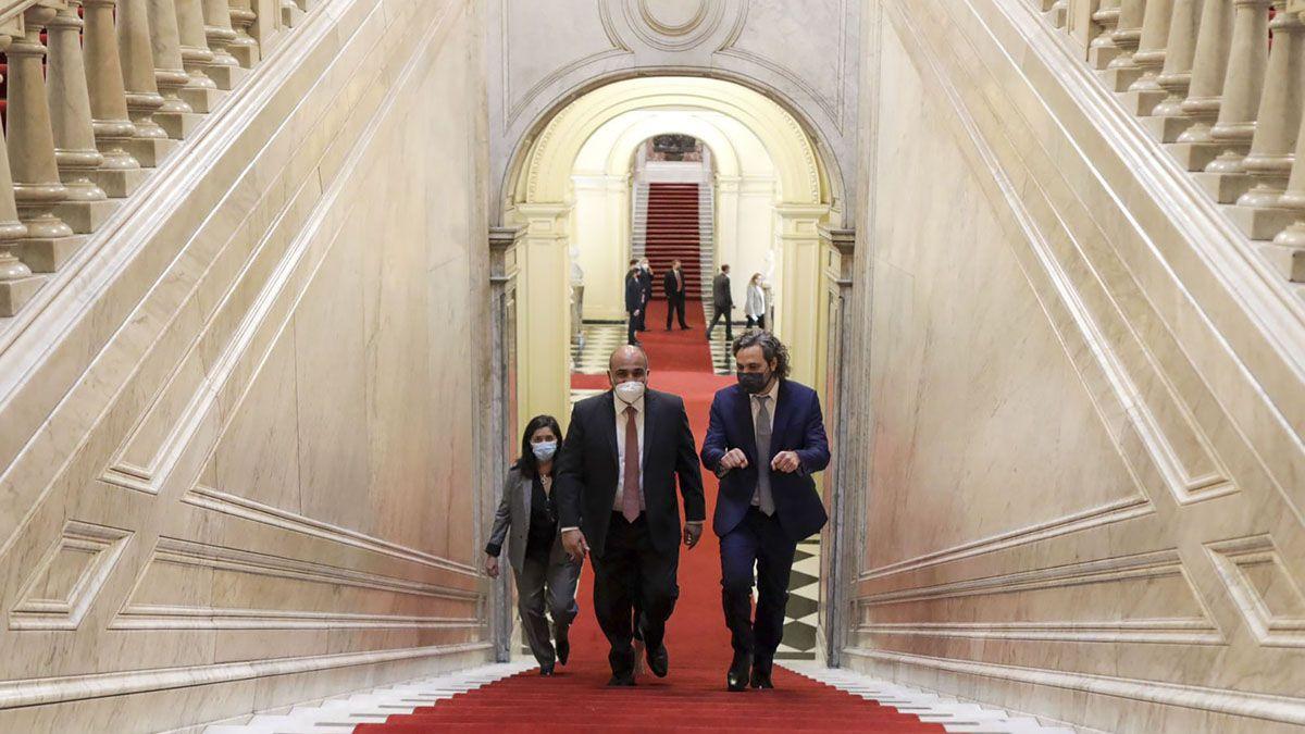 Juan Manzur y Santiago Cafiero ingresaron juntos a la Casa Rosada.
