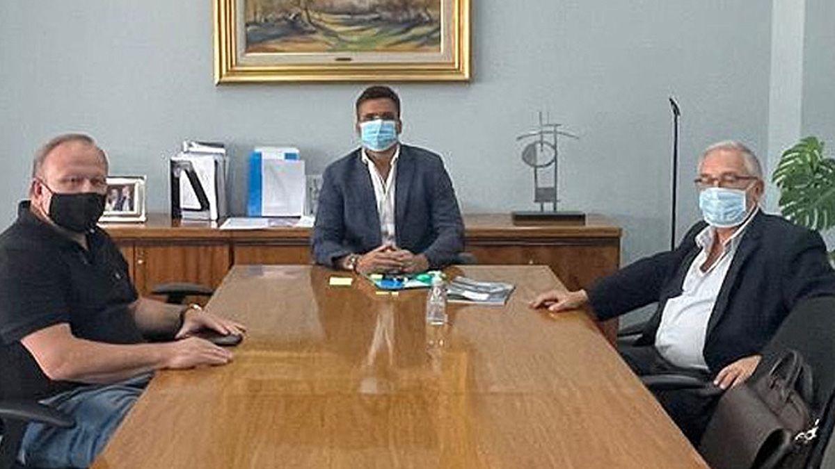 Ariel Grich y Oscar Saliba se reunieron con el ministro Facundo Torres.