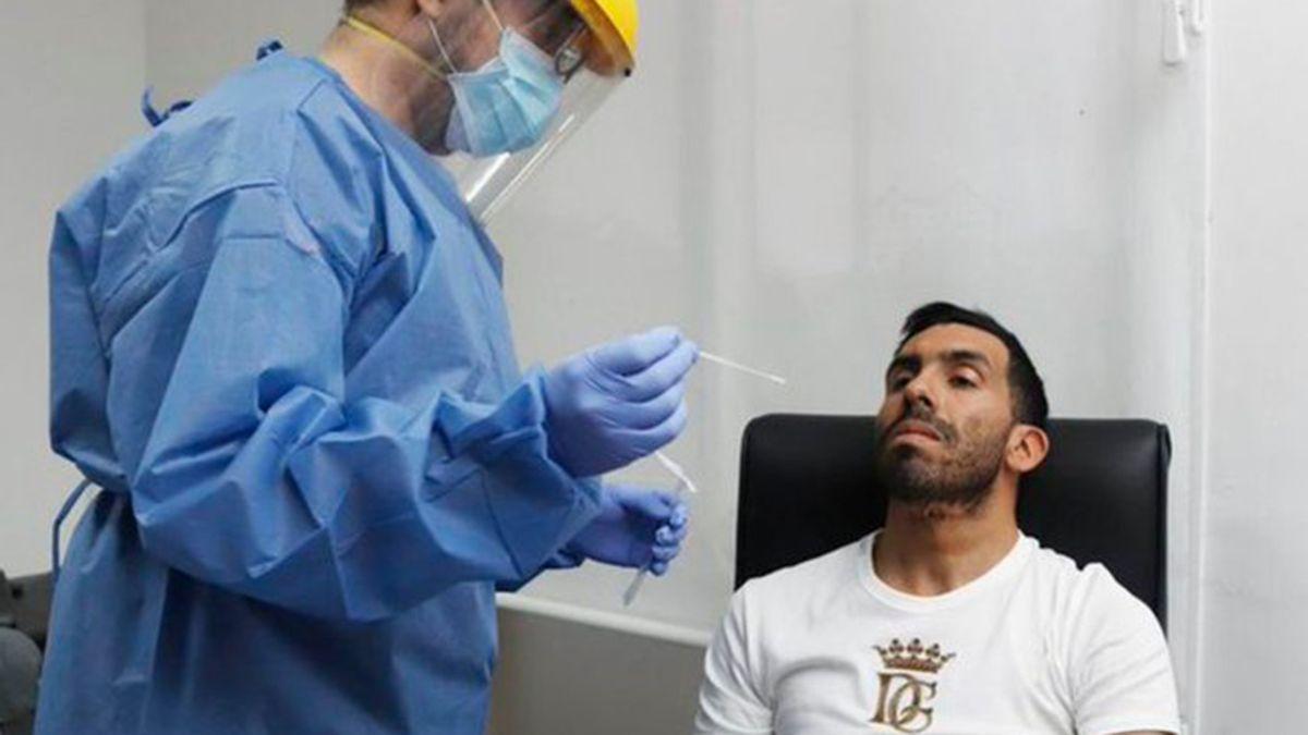 Tevez habría desarrollado anticuerpos con anterioridad según el médico de Boca.