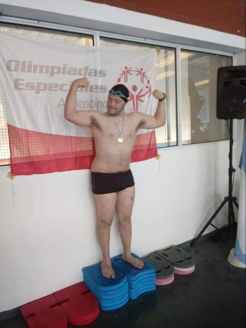 Una escuela de natación local se lamentó por el deceso de un joven de 26 años.