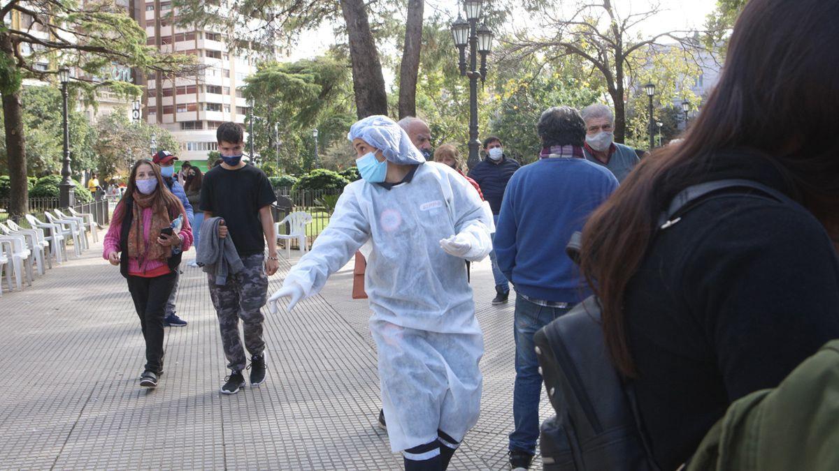 Los riocuartenses concurren de manera masiva a Plaza Roca.