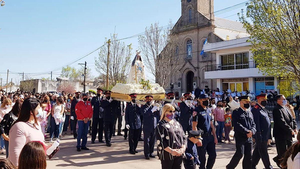 La Virgen de la Merced volvió a recorrer las calles de la ciudad acompañada de sus vecinos.