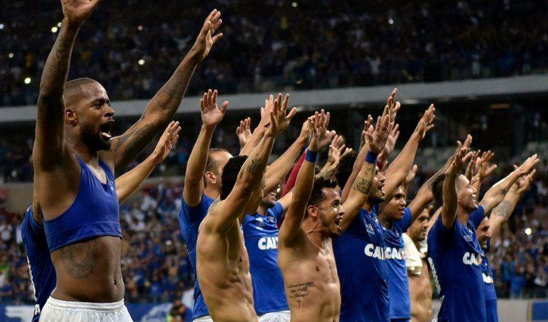 Cruzeiro espera por Boca o Libertad