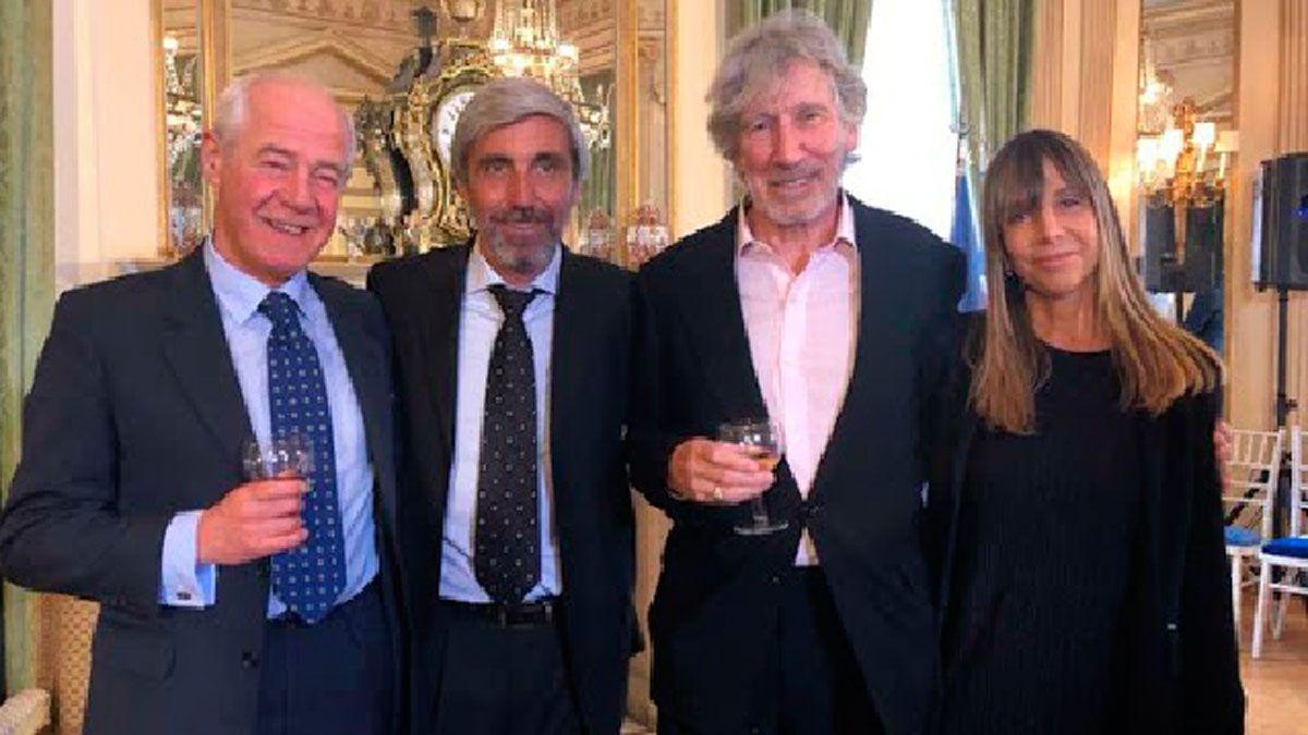 Geoffrey Cardozo (izquierda) y Julio Aro (centro)